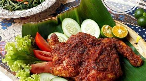 pedas menggigit ayam bakar taliwang plecing kangkung khas