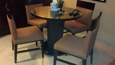 Big Lots Dining Table And Chairs by Big Lots Dining Table On Marriott At The Convention