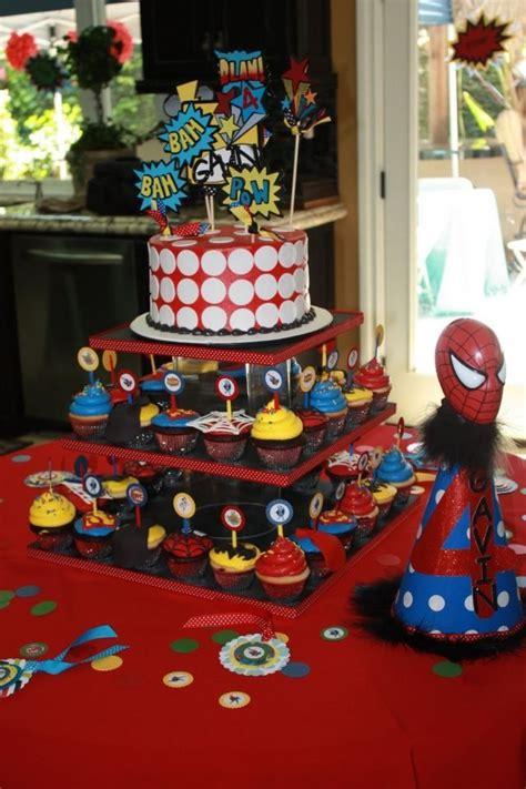 superhelden deko superhelden kindergeburtstagstorte cupcakes deko max geburtstag vogue ni 241 os d 237 a