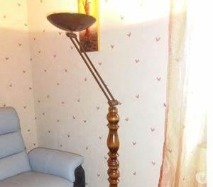 Halogène Sur Pied : pied lampe en bois vintage posot class ~ Teatrodelosmanantiales.com Idées de Décoration