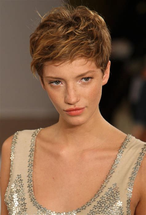 35 short pixie haircuts that give an edgy but feminine