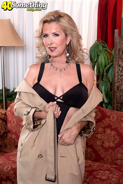 40 Something Mag Laura Layne Millions Of Mature Course Sex