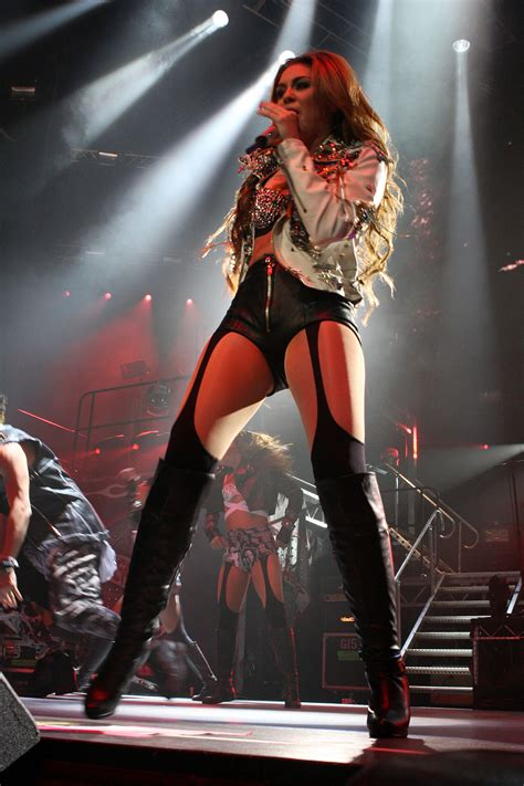 Concert Miley Cyrus Gypsy Heart Tour Wikipedia
