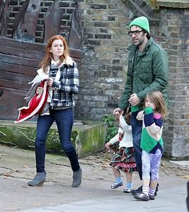 Sacha Baron Cohen and Isla Fisher Photos Photos - Sacha ...