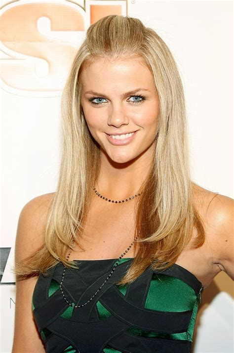 Brooklyn Decker Lovely Lady Of The Day Sicom