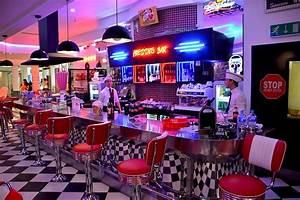 American Diner Wallpaper : american diner red chairs cafe free photo on pixabay ~ Orissabook.com Haus und Dekorationen