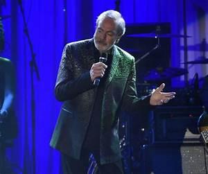 Neil Diamond's Parkinson's Diagnosis Spotlights Latest ...