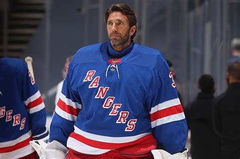 Henrik Lundqvist's long Rangers goodbye is coming to an end