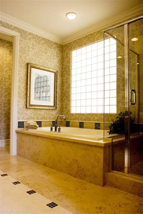 Badezimmer Mit Fenster by Best Window Options For Small Bathrooms Modernize