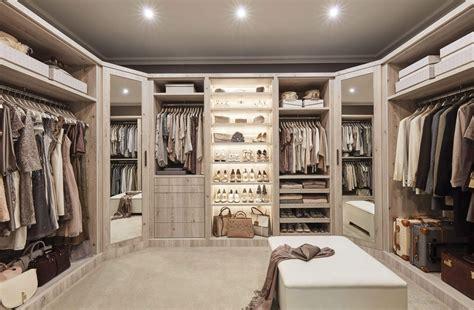 dressing room lighting