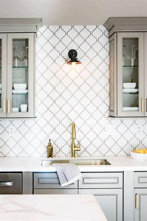 top arabesque tile kitchen backsplash design