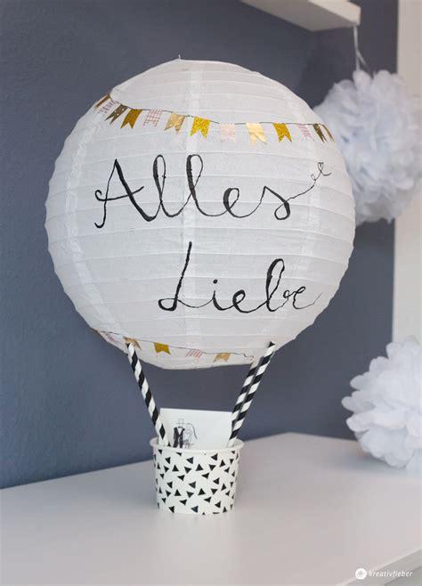 diy geschenkidee zur hochzeit heissluftballon