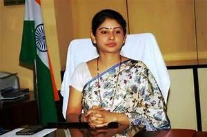Telangana govt allots Rs 15 lakh to Smita Sabharwal IAS ...