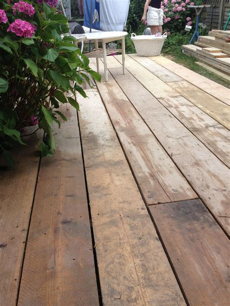 scaffold board decking   garden renovating