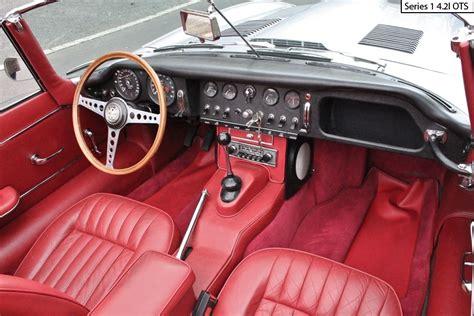 E-type Jaguar Series 1 Dashboard And Steering Wheel