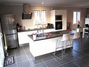 cuisine blanc laque photo 1 1 3513738 With salle À manger contemporaine avec cuisine blanc laqué et bois