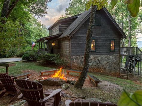 bedroom log cabin  pool table views fire pit  wi fi vrbo