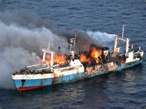 Ship Accident by Cargo Ship Accidents In India Ship Crash Sinking In India