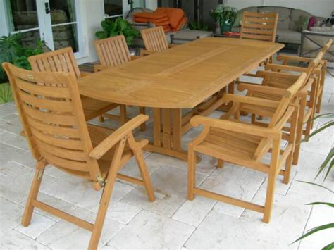we specialize in teak furniture cleaning refinishing