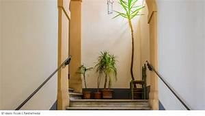 Rauchen Im Treppenhaus : hausflur treppenhaus dinge abstellen als mieter erlaubt ~ Frokenaadalensverden.com Haus und Dekorationen