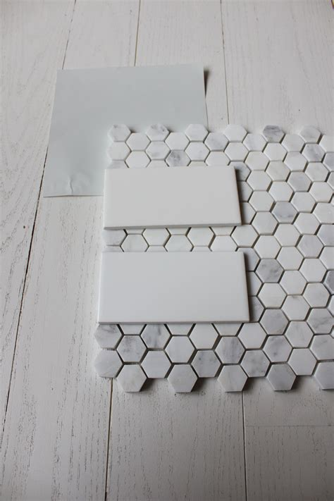 Subway Tile Bathroom Colors by 4x6 White Subway Tile With Carrara Hex Floor Tile Corner
