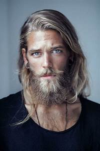 Lockige Haare Männer : hipster bart blond haare lang vollbart moustache bluse schwarz blau ugig hipster frisuren ~ Frokenaadalensverden.com Haus und Dekorationen