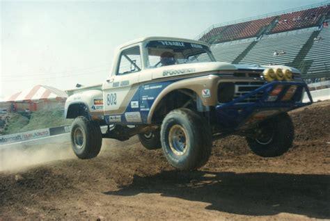 prerunner race truck ex robby gordon hay hauler off road race truck being rebuilt
