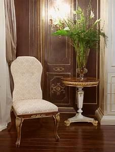 Sedia rivestita in velluto di seta, extra lusso IDFdesign