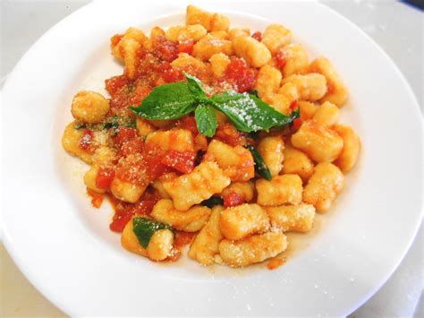 gnocchi sauce gnocchi with tomato sauce recipe dishmaps