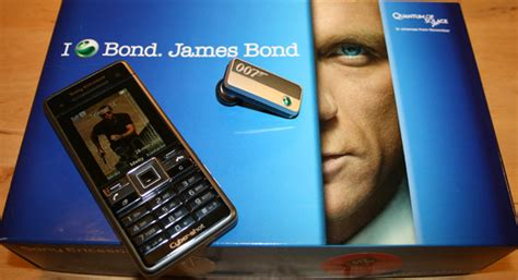 sony ericsson  james bonds mobile phone quantum  solace