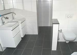 Kunststoff Fliesen Bad : badezimmer fliesen grau und anthrazit ~ Markanthonyermac.com Haus und Dekorationen