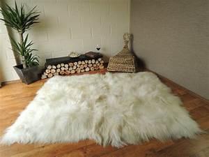 Tapis Laine Blanc : tapis en peau de vache topiwall ~ Melissatoandfro.com Idées de Décoration