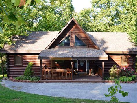 luxury log cabins luxury log cabin w tub grill fireplace