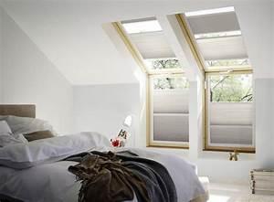 Velux Dachfenster Verdunkelung : ratgeber rollos f r velux oder roto dachfenster als sichtschutz hitzeschutz oder verdunkelung ~ Frokenaadalensverden.com Haus und Dekorationen