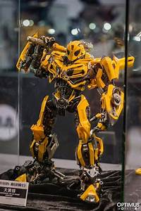 Threea Premium And Deluxe Scale Transformers  Bumblebee