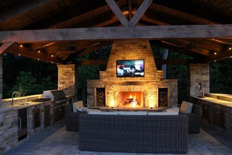 outdoor kitchen  firepit designs