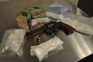 BlackburnNews.com - Raid Turns Up Drugs, Handgun and Cash