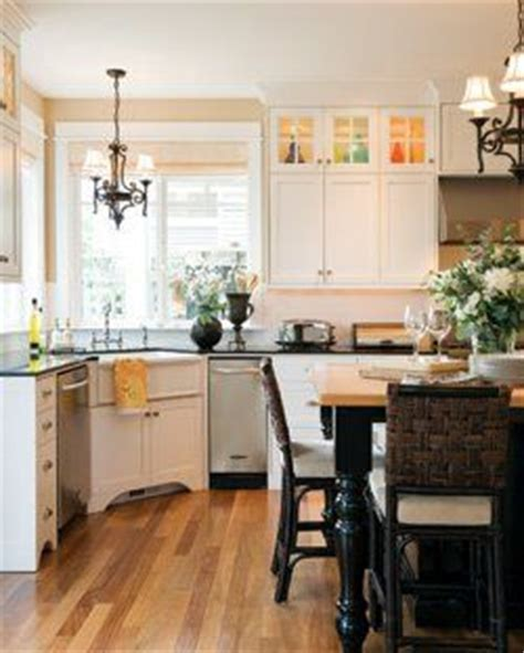 25  best ideas about Corner kitchen layout on Pinterest
