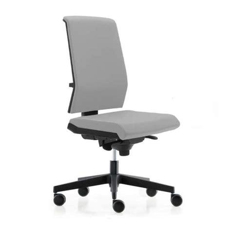 chaise de bureau sans roulettes chaise de bureau avec dossier tapissé sur roulettes tela