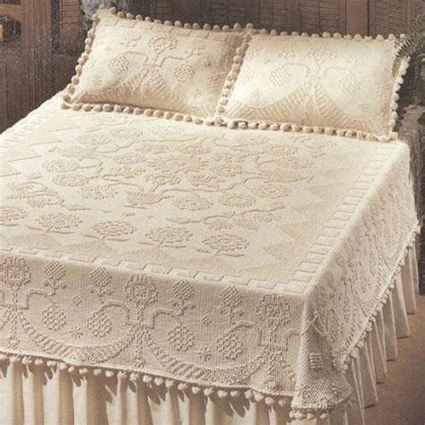 Vintage Coverlets by Vintage Bedspreads A Look At Chenille And Hobnail Bates