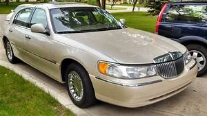 Sell Used 2000 Lincoln Town Car Cartier Sedan 4