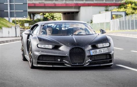 Bugatti Divo Un Misterioso Ejemplar Del Chiron Avistado