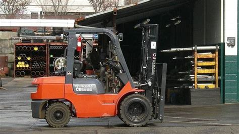 toyota plans  expansion  indiana forklift factory