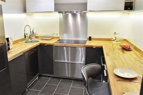 renovation de cuisine en chene rénovation de cuisine en u avec plans de travail en chêne