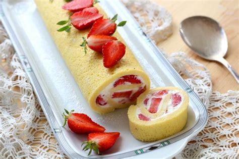 recette gateau roule  la fraise en pas  pas