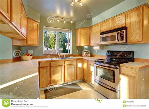 cuisine en dur cuisine en bois traditionnelle