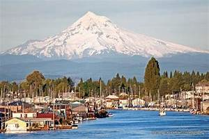 Hood River Tree Lighting Mt Hood From The Houseboats At Jantzen Beach Up The