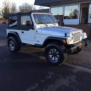 02 Jeep Wrangler  Manual Transmission  112k Miles For Sale