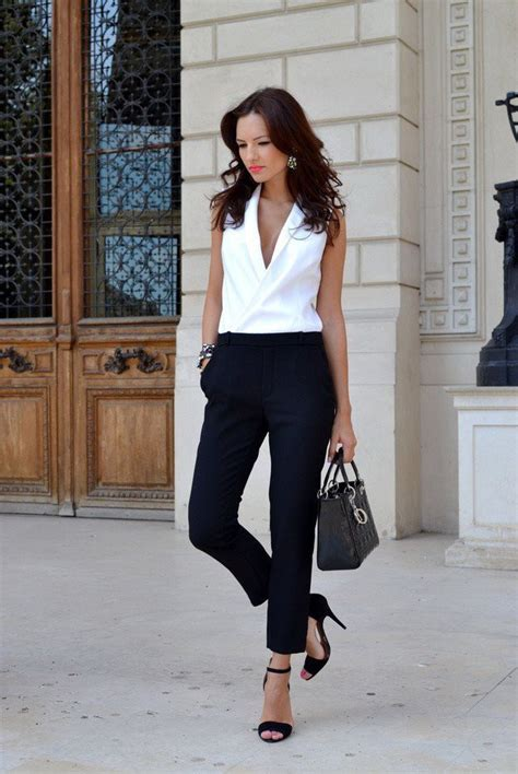 31 Black u0026 White Work Outfits For Women 2018 | FashionGum.com
