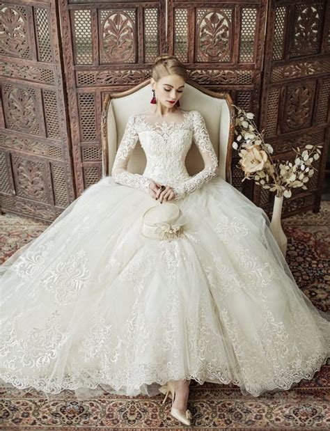 Obsess About The Dress: 20 Of The Most Stunning Wedding